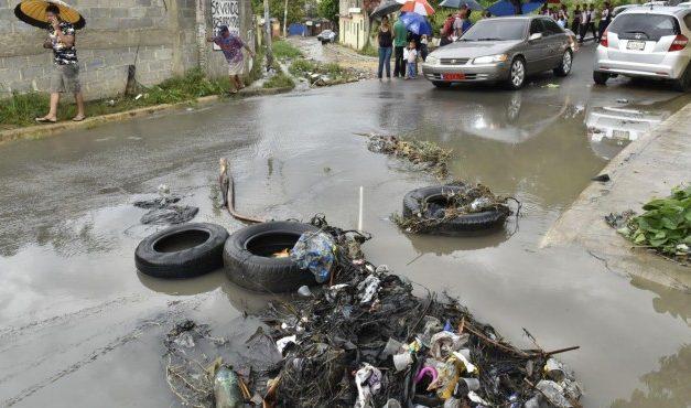 Residentes en Pantoja reclaman soluciones a problemas de la comunidad