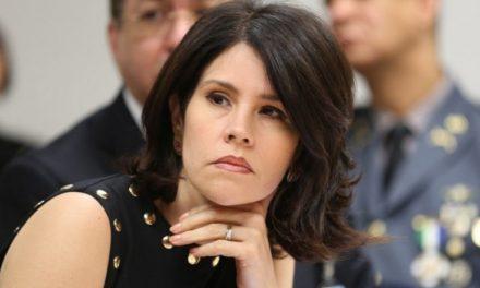 Alicia Ortega reta a Diandino demostrar que hay poderes oscuros detrás de investigación