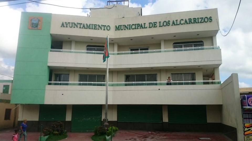 Presidente de comerciantes y detallistas de Los Alcarrizos culpó al alcalde de lo que le suceda