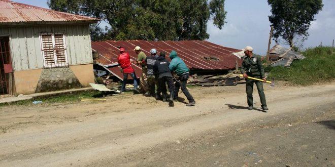 Medio Ambiente desmantela viviendas en Valle Nuevo, eran guaridas de jornaleros haitianos