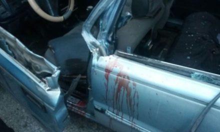 Conductor de camión le desprende brazo izquierdo a chofer de carro público al rebasarle