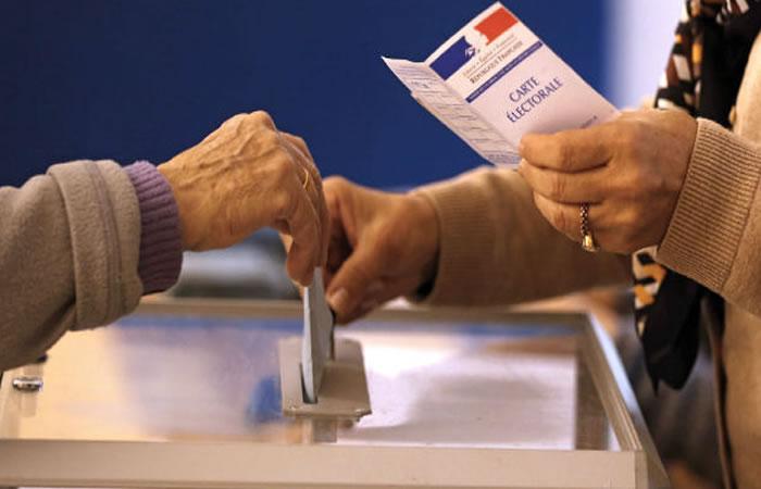 Bajo tensión Francia elige presidente, Alcarrizos News Diario Digital