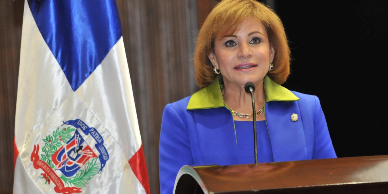 Son los diputados que deciden si Lucía Medina sigue o no, no el CP del PLD