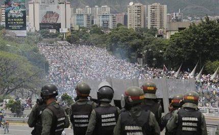 Venezolanos rechazan Constituyente, suben a 33 los muertos