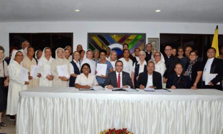 Andrés Navarro acuerda con obispos el paso de 127 colegios católicos al sector público