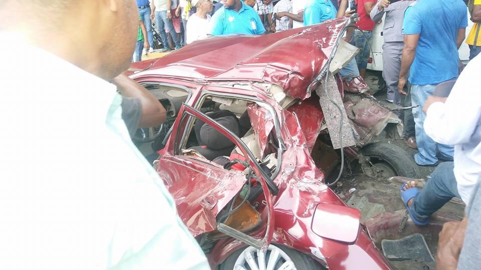 Aparatoso accidente de tránsito en Los Alcarrizos, Alcarrizos News Diario Digital