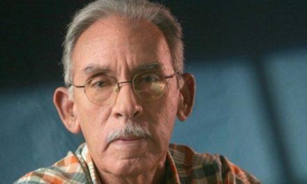 Muere el destacado escritor y crítico de cine Armando Almánzar