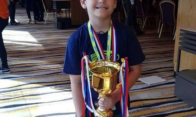 Niño mexicano de 6 años gana Campeonato Mundial de Matemáticas en Malasia