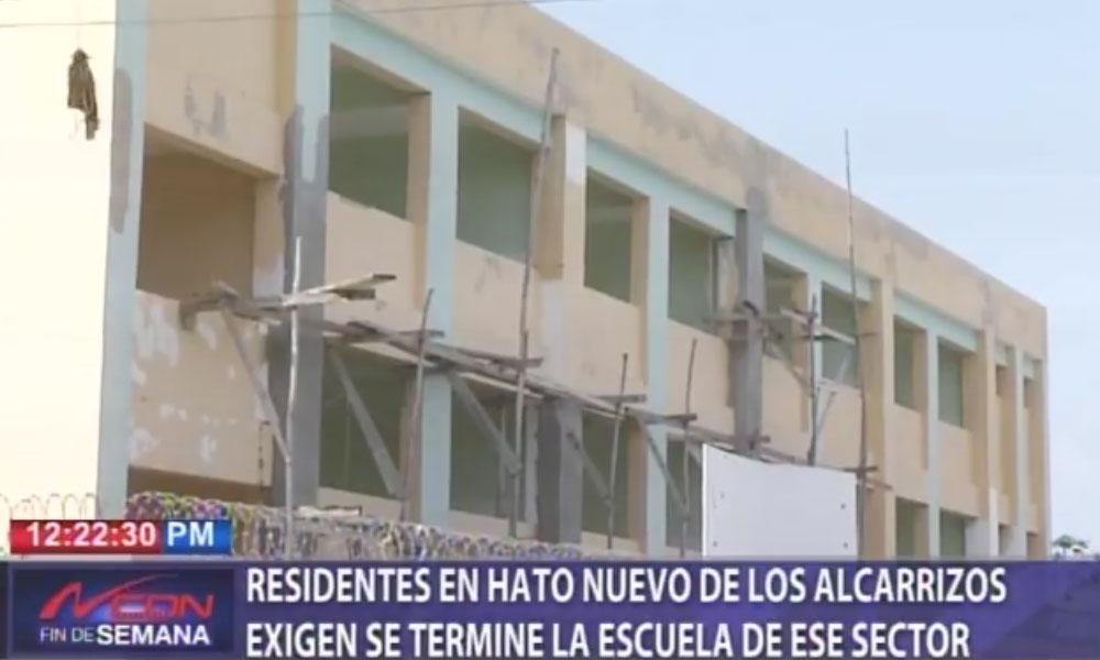 Residentes en Hato Nuevo de Los Alcarrizos exigen se termine la escuela de ese sector, Alcarrizos News Diario Digital