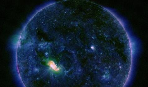 Una gigantesca mancha solar tan grande como Júpiter