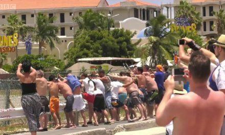 Mujer muere por la ráfaga de la turbina de un avión en la isla San Martín