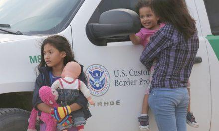 Estados Unidos inicia campaña contra el tráfico de hijos de padres indocumentados