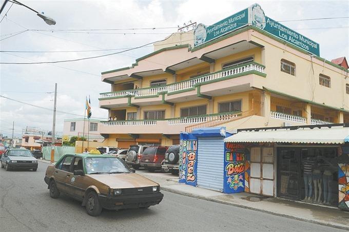 El alcalde de Los Alcarrizos está a la espera de donación de terreno para construir cementerio
