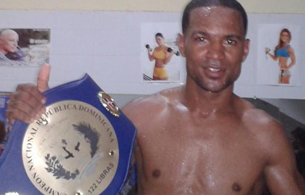 El boxeador dominicano Geysi Lorenzo muere peleando para comprar útiles escolares a su hija