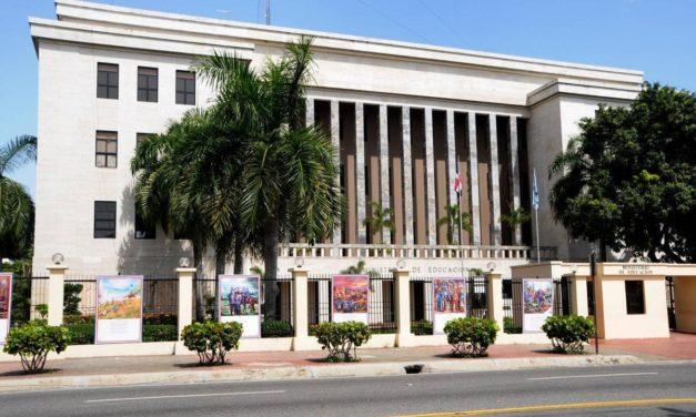 Ministerio de Educación hace cambios y sustituye al director del Distrito Escolar 15-01, Los Alcarrizos