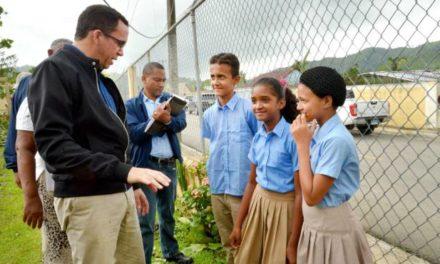 Andrés Navarro llama a la comunidad educativa a integrarse a la docencia este lunes