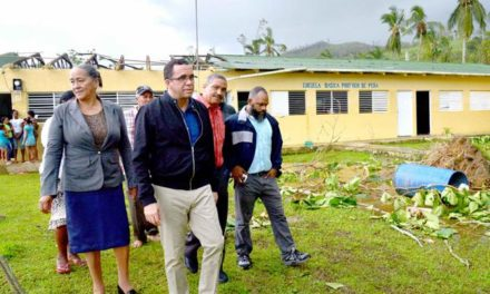 Ministro de Educación dispone alistar escuelas para reinicio de las clases