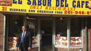Ex preso dominicano al que Obama perdonó una pena hace un año abre restaurante, Alcarrizos News Diario Digital