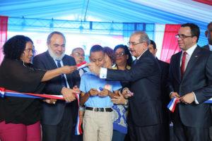Medina inaugura anhelada escuela Manuel Emilio Jiménez, Los Libertadores la recibe con regocijo, Alcarrizos News Diario Digital