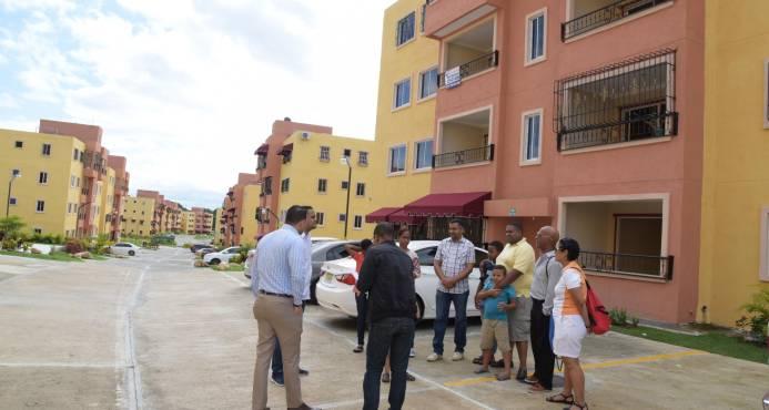 En el residencial Pablo Mella, vecinos reclaman mayor vigilancia policial ante la gran cantidad de robos