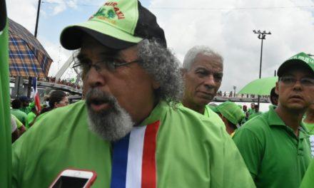 Padre Rogelio Cruz reitera que no se va; prefiere la expulsión