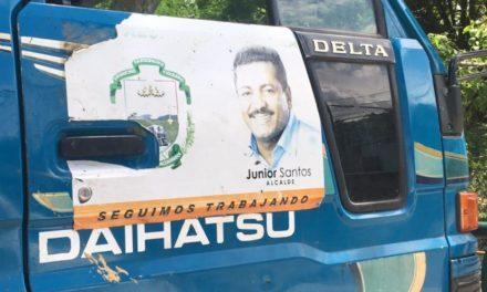 Residentes indignados por cierre ilegal de calles y el abuso de poder del magnate Junior Santos