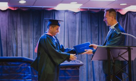 Alcarricense alcanza máximos honores al graduarse con Summa Cum Laude en Berklee College of Music