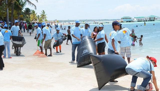 Harán operativos limpieza de playas el sábado
