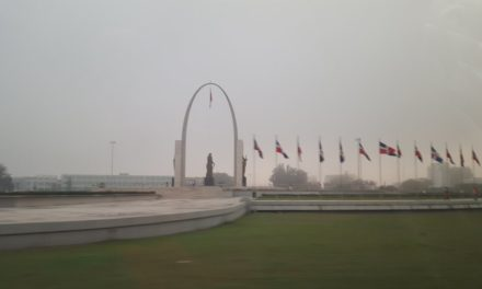 Densa neblina cubre la ciudad capital y el Gran Santo Domingo este domingo