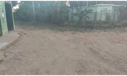 Residentes del Vivero de Los Alcarrizos denuncian mal estado de calles