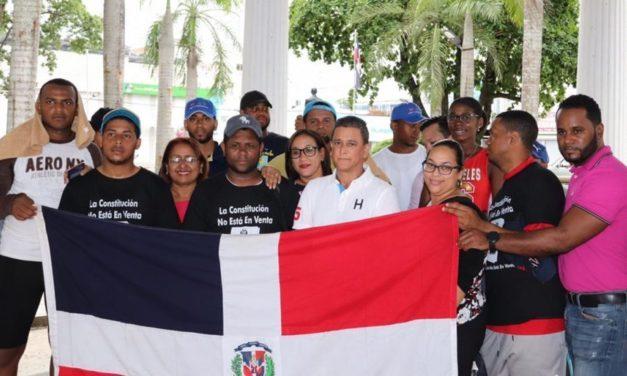 Jóvenes peregrinos contra reforma constitucional son recibidos en Bonao