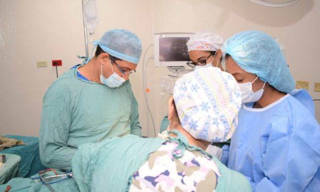 Inician jornada quirúrgica a mujeres sobrevivientes cáncer de mama