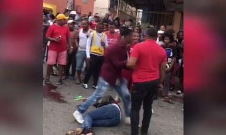 Multitud lincha presunto asaltante en Los Alcarrizos; hieren otro