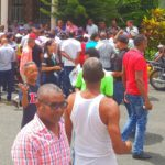 Desalojados ingresaron a la parroquia de Los Alcarrizos en busca de apoyo