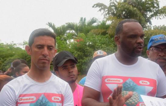 En La Piña de Los Alcarrizos, comunitarios reclaman terminación de varias obras