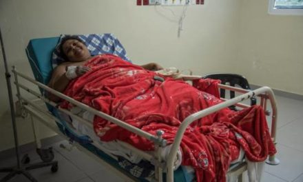 Ingresan en el hospital Vinicio Calventi a la mujer más gorda de Los Alcarrizos