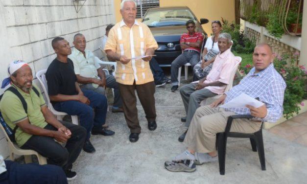 Campesinos de El Seibo piden al presidente Medina mediar para que el cubano devuelva sus tierras