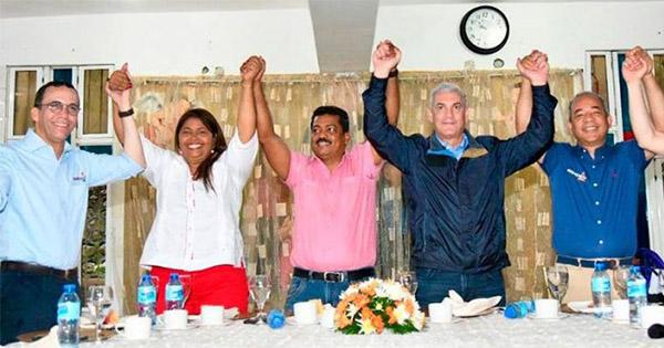 Abuso de poder y atropellos son realizados por Junior Santos y el Penco en Los Alcarrizos