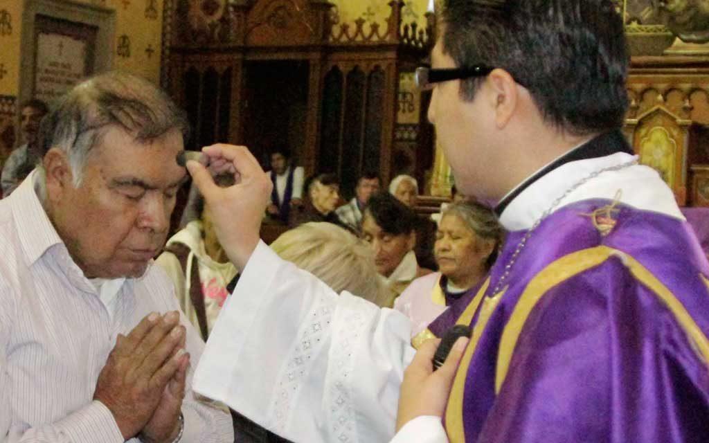 Hoy la iglesia católica celebra el miércoles de ceniza, primer día de la cuaresma