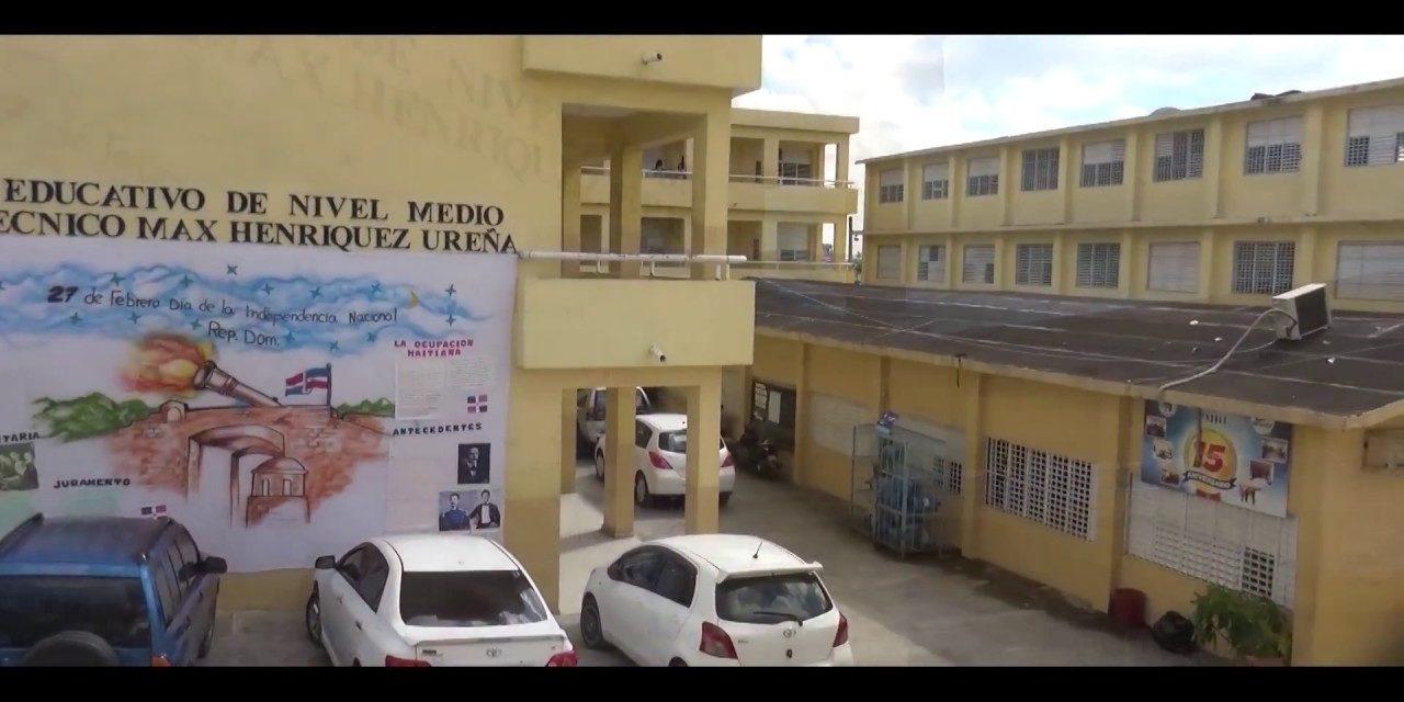 Dos docentes incitaron a estudiantes a tirar sillas en el politécnico de La Unión en Los Alcarrizos