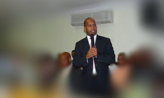 Designan a Luis Alberto Caraballo como secretario general del ayuntamiento municipal