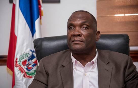 Nuevo alcalde de Los Alcarrizos denuncia desorden encontrado en la alcaldía