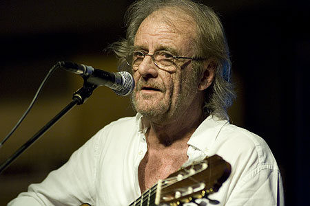 Fallece en España el popular y polifacético Luis Eduardo Aute Gutiérrez a los 76 años de edad