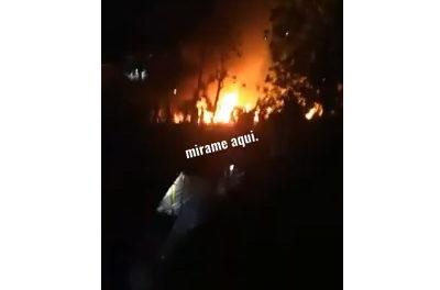 Fuego arrasa al menos cinco viviendas en Villa Linda-Pantoja