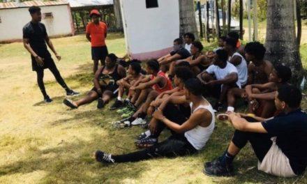 Manuel Cruz: El joven de Los Alcarrizos que prepara atletas de alto rendimiento