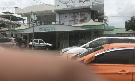 Denuncian que laboratorio cobra 200 pesos adicionales por el uso de kit de protección