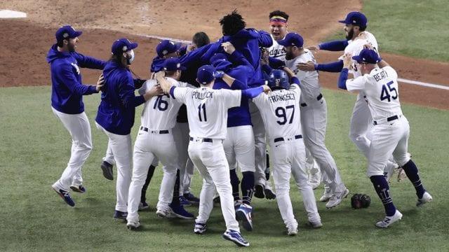 Luego de 32 años Dodgers de Los Angeles se alzan con la corona de la Serie Mundial