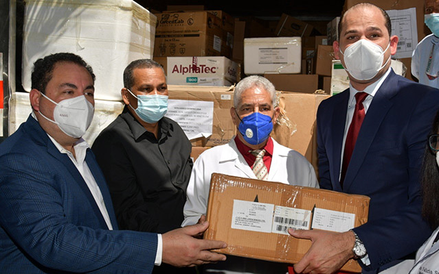 Promese-Cal entrega medicamentos al hospital Vinicio Calventi en Los Alcarrizos