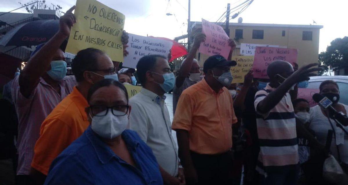 Moradores de Cerros del Norte denuncian que la Policía se rinde ante la delincuencia