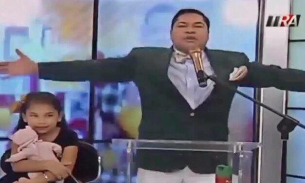Delante de uno de sus hijos, El Pachá le pide perdón a la familia presidencial